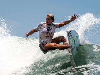 Leilani McGonagle - AccionyDeporte - Surf